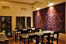 Image from http://timesofindia.indiatimes.com/thumb/msid-33865913,width-217,resizemode-4/Restaurant-interiors-jpg.jpg.