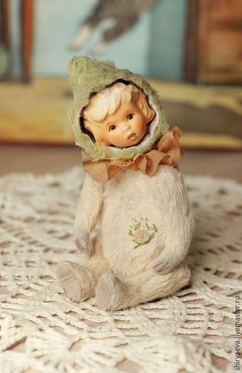 Мишки Тедди ручной работы. Ярмарка Мастеров - ручная работа. Купить Chloe, 12 см.. Handmade. Разноцветный, вискоза