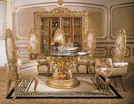 Italian baroque interior design italian round dining room in classic style italian classic - Italian dining table sets ...