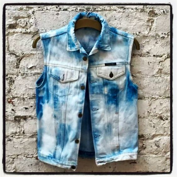 90's Grunge Bleached Denim Jacket ....be quick! There's only ONE available only at www.abidashery.etsy.com FREE jewellery piece with every purchase in June #grunge #denim #summertime https://www.facebook.com/photo.php?fbid=1632137757021098