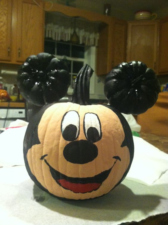 Mickey mouse pumpkin pintwist on a different type of mouse for How to paint a mickey mouse pumpkin