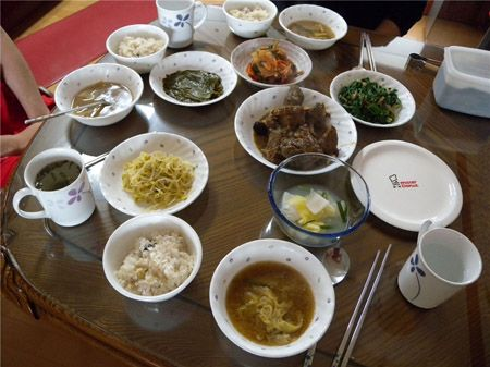 Cơm được người Hàn Quốc sử dụng trong tất cả các bữa ăn