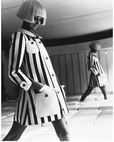 """👓 Milenial 👓 on Instagram: """"André Courrèges 🎩 1960 1950 modisto en Balenciaga  1961 crea su propia etiqueta con Coqueline, quien después se convierte en su esposa 💍 La…"""""""