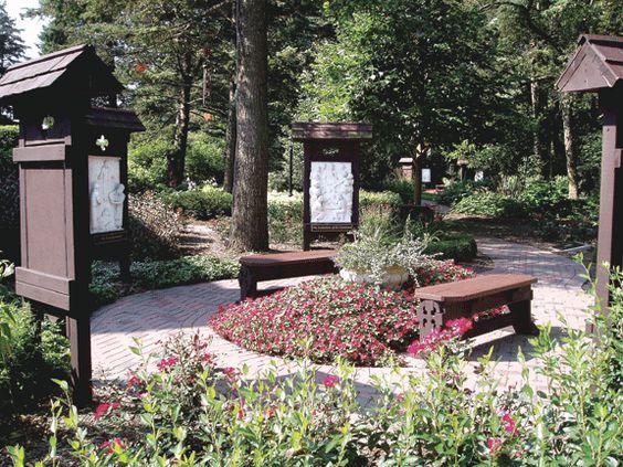 Gardens rosaries and meditation garden on pinterest for Rosary garden designs