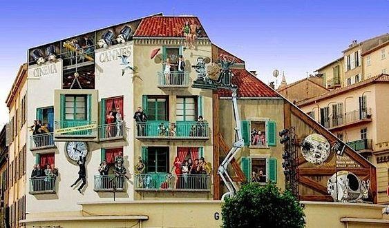 Fröhliche Fassadenmalerei von Patrick Commecy