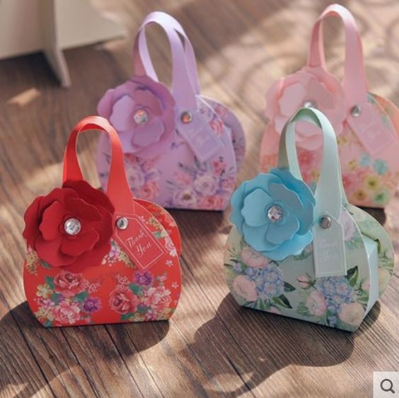 20 X Nuevo Estilo Bolso Floral Partido Favores de La Boda Cajas de Dulces de Chocolate Caja de Regalo Con La Flor y Etiquetas, rosa Azul Púrpura Rojo