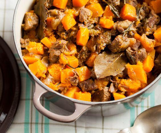 http://www.gezondetenmagazine.nl/recepten/hoofdgerecht/recept-hachee-met-pompoen/3457/