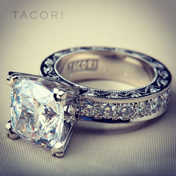 Ahh how pretty! #wedding #ring #diamond #Tacori