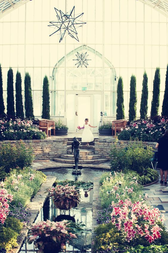 Como park zoo conservatory wedding ceremonies in the for Enchanted gardens wedding venue