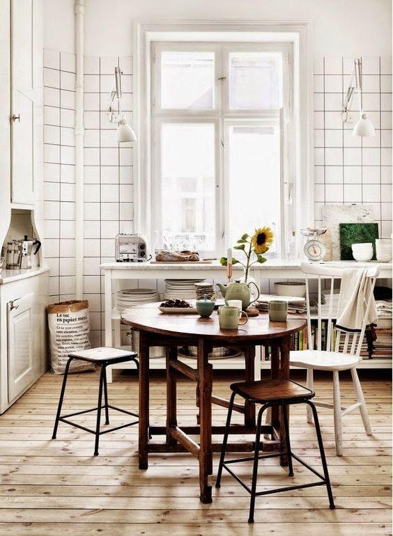 Cozinhas pequenas com espaço de refeições