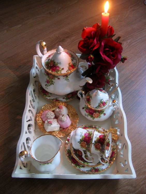 Candlelight tea - Old Country Roses .... ♥♥ ....
