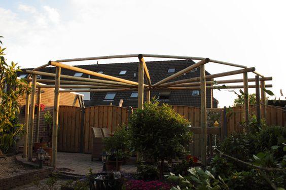 Prieel pergola paviljoen rondhout ronde palen ge mpregneerd hout sfeer klimop tuin - Prieel tuin ...