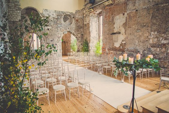My auntie and uncle got married at Lulworth castle and it was so perfect <3 like a fairy tale <3 xxx