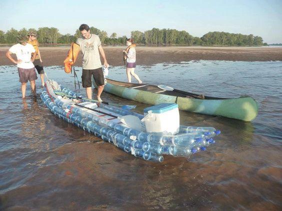 Excelente ideai, Kayak fabricado com garrafas plasticas! http://www.youtube.com/watch