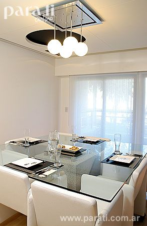 La mesa del comedor lleva una base de granito gris pulido for Colores granito pulido