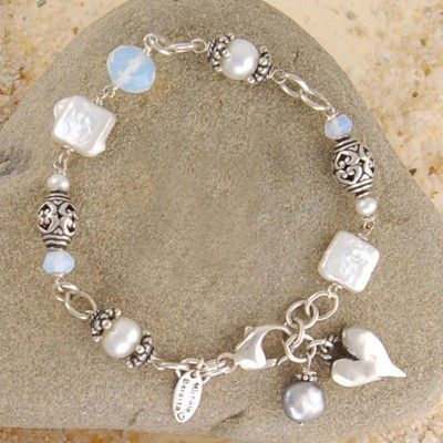 WISH,UPON,A,PEARL,BRACELET