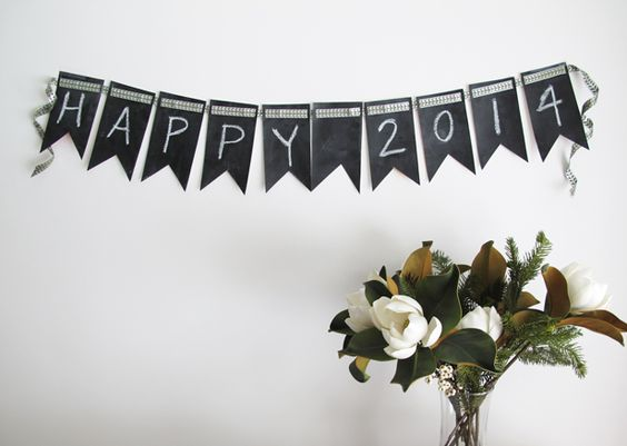 Chalkboard Craft Ideas for Your New Year's Party >> http://blog.diynetwork.com/maderemade/2013/12/26/4-chalkboard-paint-crafts-for-your-new-years-party?soc=pinterest