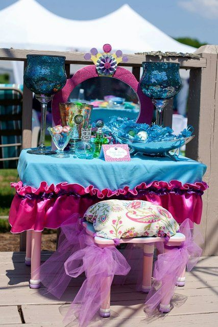 Beautiful princess table! #arabiannights #princess