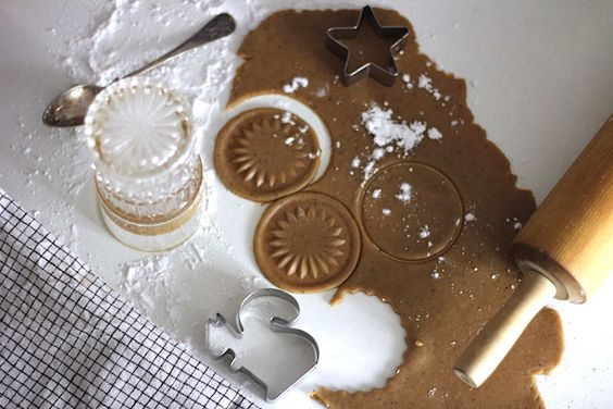 Pipareita lasilla // Gingerbread - HUI-HAI