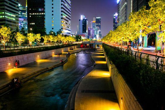 Suối nhân tạo Cheonggyecheon