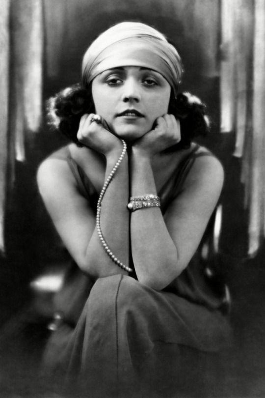 Pola Negri, Early 1920s