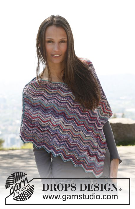 """Free pattern: Knitted DROPS poncho with zigzag pattern in """"Fabel"""". Size: S - XXXL."""