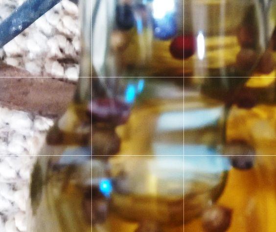 Plop plop, gota a gota llega al·azeite... Si no echas un poco de pimienta a la vida para que sea más deliciosamente picante, al·azeite lo hará por ti...