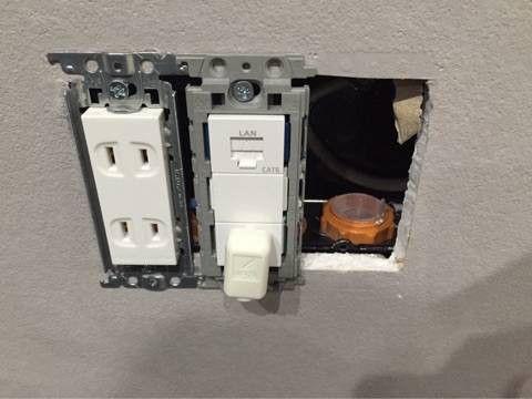 壁掛けテレビの配線 壁掛けテレビ 壁掛けテレビ 配線 テレビ 周り 収納