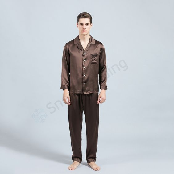 Silk Pajamas TZ-6 for Men (7)   http://www.snowbedding.com/ Silk sleepwears are all made of 100% pure long stranded mulberry silk fabric, featuring a variety of colors and styles, fashionable designs, customization available if required.