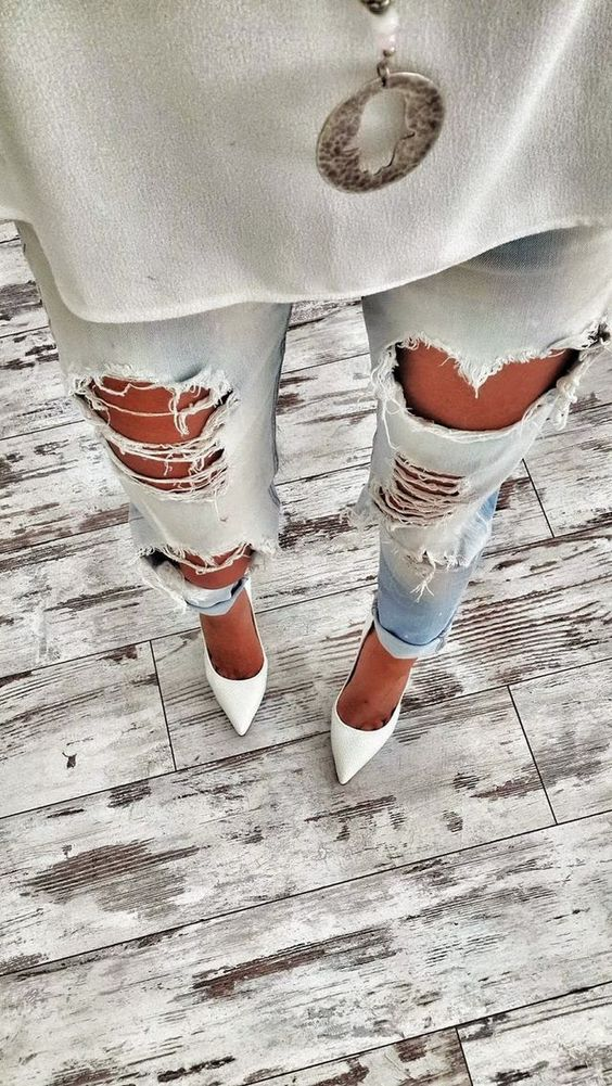 Inspiration; Ripped Jeans http://FashionCognoscente.blogspot.com: