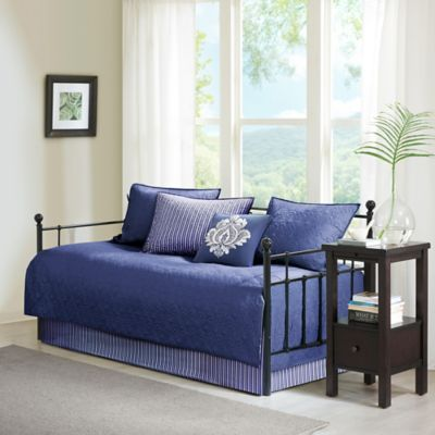 Madison Park Quebec 6 Piece Reversible Daybed Set In Navy In 2020 Daybed Sets Daybed Cover Sets Daybed Covers