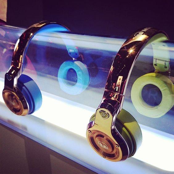 Monster 24K headphones look a million bucks! #CES2015 #CurrysAtCES #Monster #24K #Bling #Gold #fashion #headphones