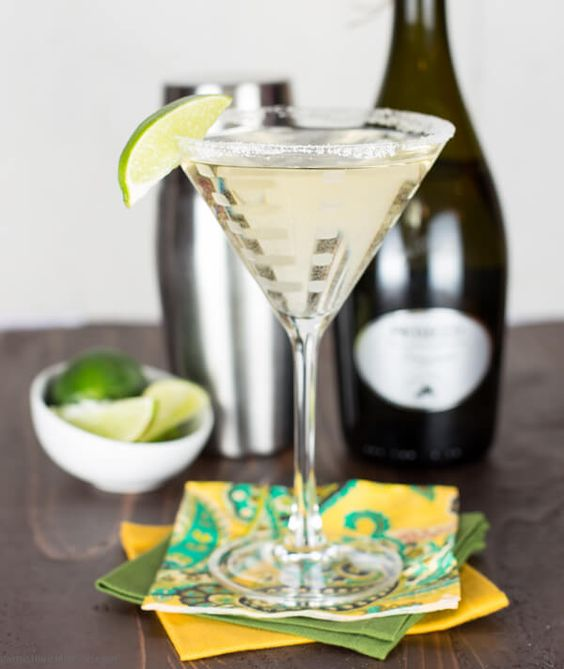 French 75 cocktails and french on pinterest for Drinks made with prosecco