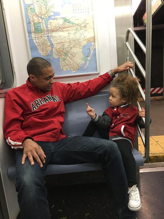 Tj Holmes And Daughter Sabine Gma Reporter From Arkansas