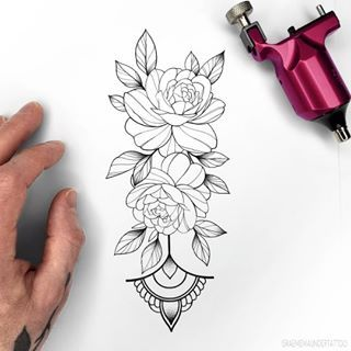 New Flash Taken Simple Rose Do You Like Larger Or Smaller More Simple Flash Design In 2020 Geometric Tattoo Design Rose Tattoo Design Flower Tattoo Designs