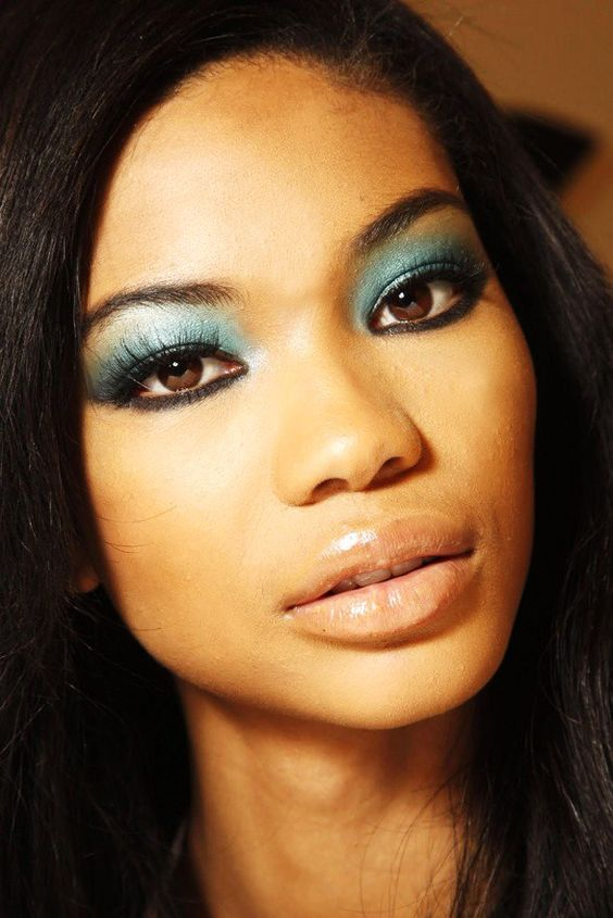 Remember how I mentioned that pinks are not exactly the best for blush? Well, for your eye makeup, you should steer away from the pinks and go with deeper browns, blues and maybe even some greens! Trust me ladies, this makeup tip for olive skin tones will really make your eyes pop!-allwomenstalk.com