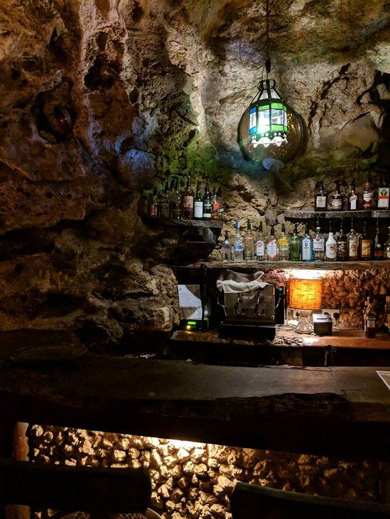 Ali Barbour's Cave Restaurant, Diani Beach - Restaurant Reviews, Phone Number & Photos - TripAdvisor