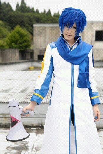 Kaito Shion Cosplay (Touya Hibiki).....and this is actually a girl!