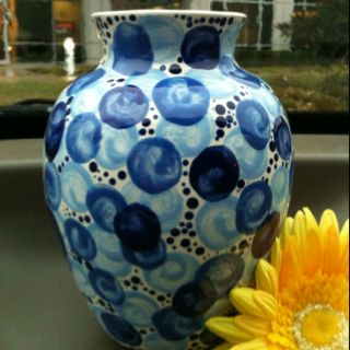 Vase painted by Jennifer Beamer <3