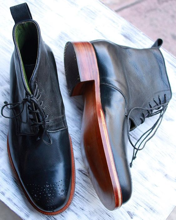 """#castezermili #shoemaker #bespoke #shoes #shoeporn #shoesaddict #shoesoftheday #boots #mensboots #fashion #trendy #menswear #mensstyle #mensfashion…"""
