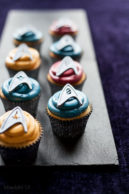 What The Fruitcake?! - Star Trek Almond & White Chocolate Cupcakes - Almond Cupcakes with White Chocolate Swiss Buttercream
