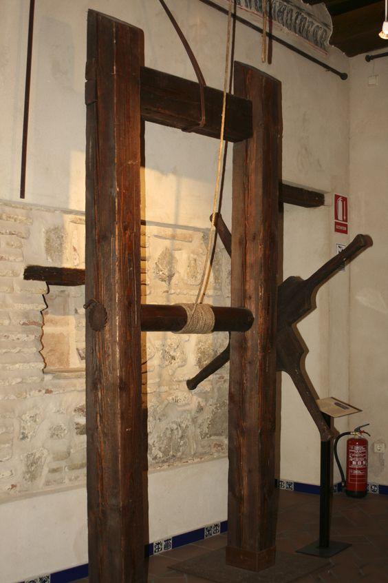 Instrumentos  de tortura reales 06a26856f16b2d3cf20ee47fe733b116