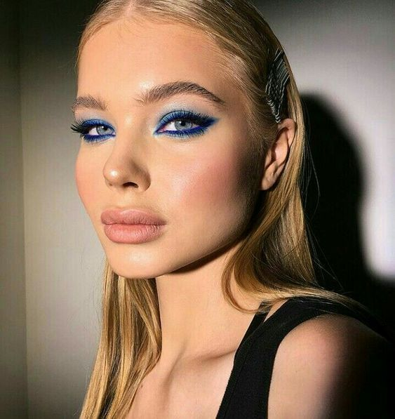 Blue Eye Makeup Eye Makeup Ideas Dewy Skin Slicked Back