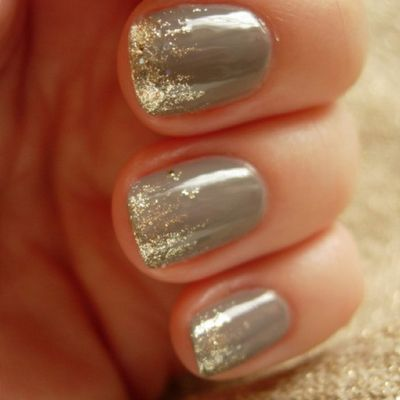 dip the tips of freshly painted nails into glitter. LOVE it for holidays!