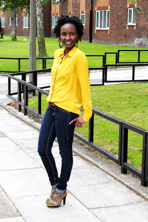 yellow  sandals, blouse + skinny jeans