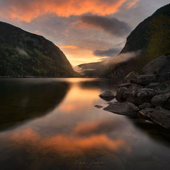 Three Valley Gap Sunrise by Viktoria Haack on 500px