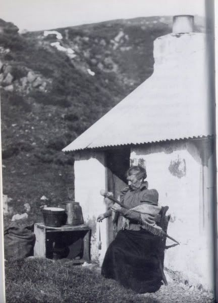 Scottish spindle in use, photo from Glenco 1897  via mongrel, thx