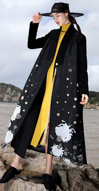 boutique-black-wool-coat-oversized-maxi-coat-V-neck-side-open-jacket-embroider-long-coats