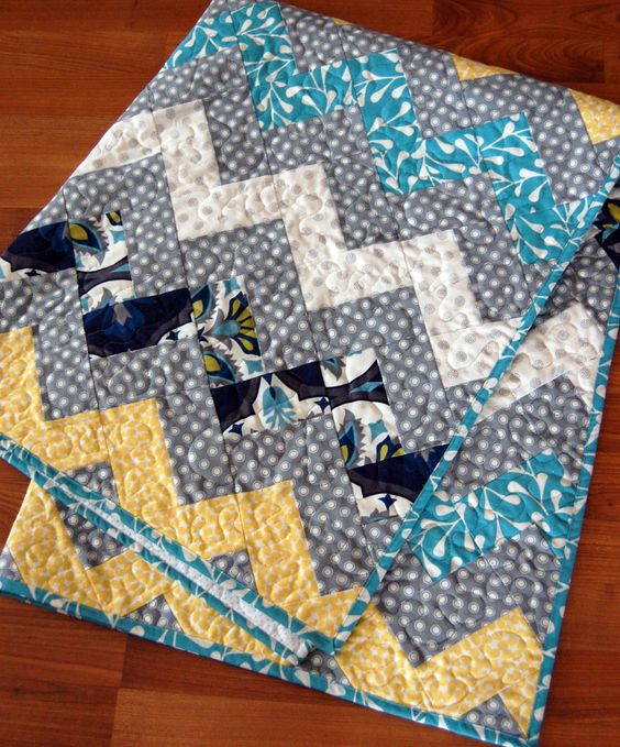 Zig Zag Quilt! No triangles! Free Tutorial! Quilts Pinterest Fabrics, Bold colors and ...
