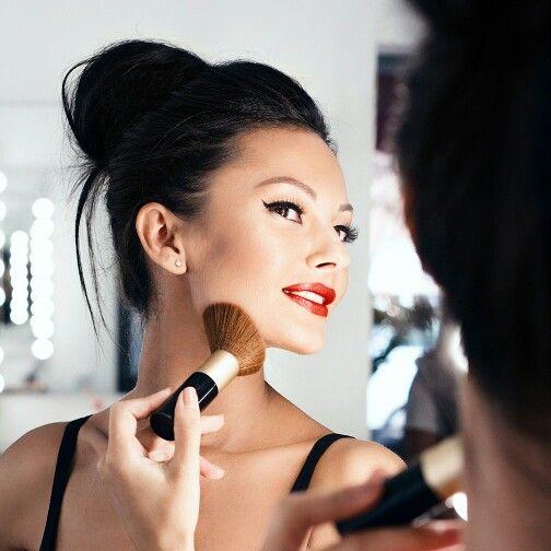 И настроение мое улучшилось!!!) Люблю свою работу  #ekaterinaketrushka #revecen #tflers #photoshoot #atelierparis #freshlook #kryolan #makeupartist #makeupmoldova #makeup #MUA #muah #mywork #fashionguide #redlips #hairstyle #hairstylemoldova #прическакишинев  #прическамояработа  #прическамолдова #красныегубы  #люблюсвоюработу #визаж #визажисткишинев #визажист #фотосессия #макияж #моиработы #макияжкишинев #екатеринакетрушка
